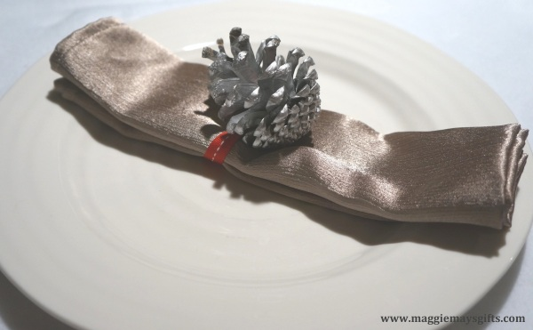 Pine Cone holiday crafts