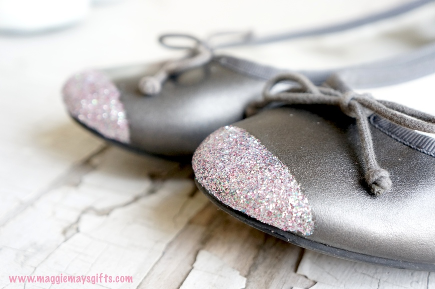 Make sparkle toed shoes with glitter and mod podge