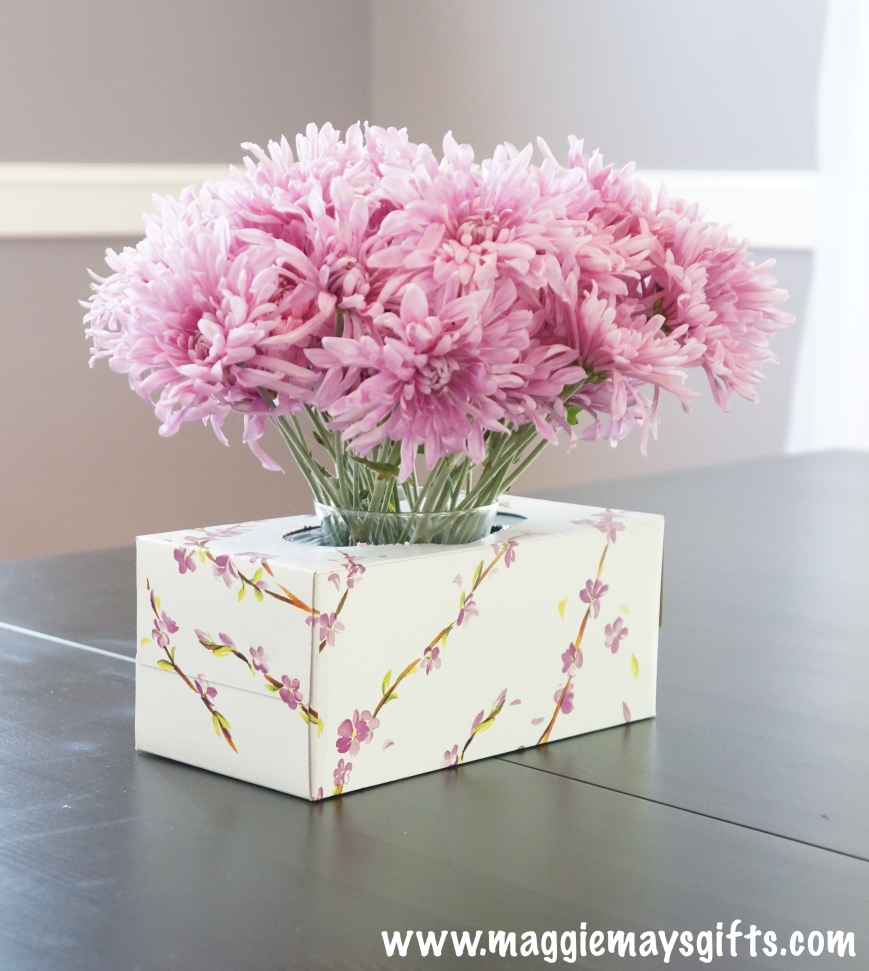 Turn a tissue box into a flower vase
