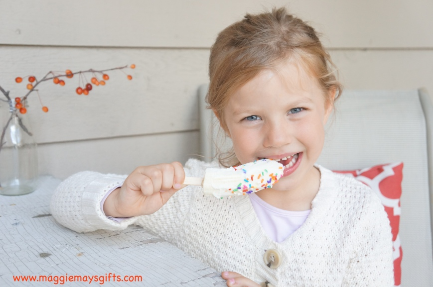 Healthy, fun banana yogurt pops for kids
